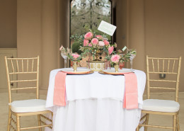 pink and gold sweetheart table