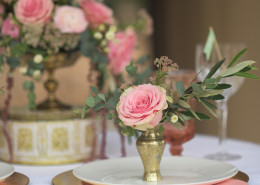 pink and gold place settings for wedding